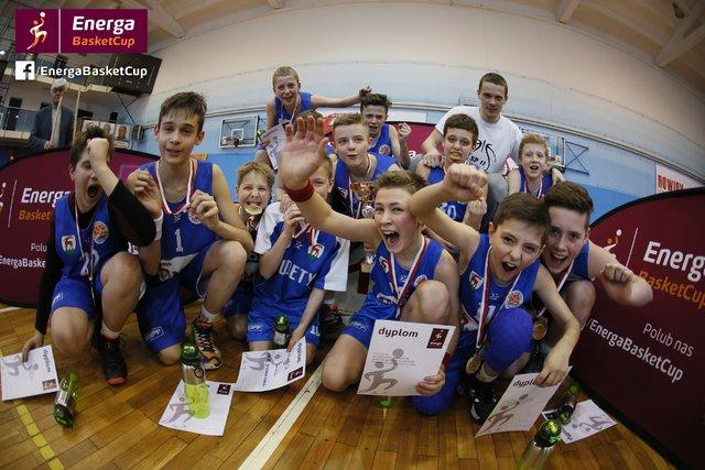 Reprezentacja SP nr 11 wJeleniej Górze -Energa Basket Cup 2016