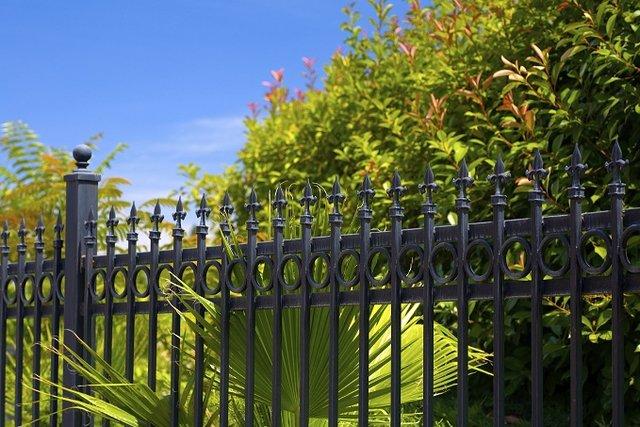 Dekoral_przegląd ogrodu pozimie.jpg